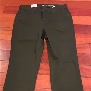 Style & co curvy skinny leg NWT size 6 green